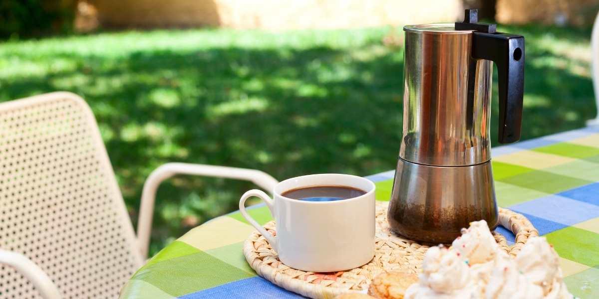 Come preparare il caffè con la caffettiera